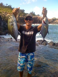 Maui Surf Casting Fishing